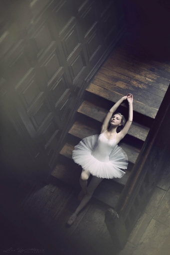 lisa_wittmann_photography_woman_ballet_pointshoes_tutu_beautiful_elegance (2)
