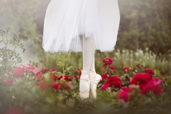 lisa_wittmann_photography_woman_ballet_tutu_pointshoes (1)