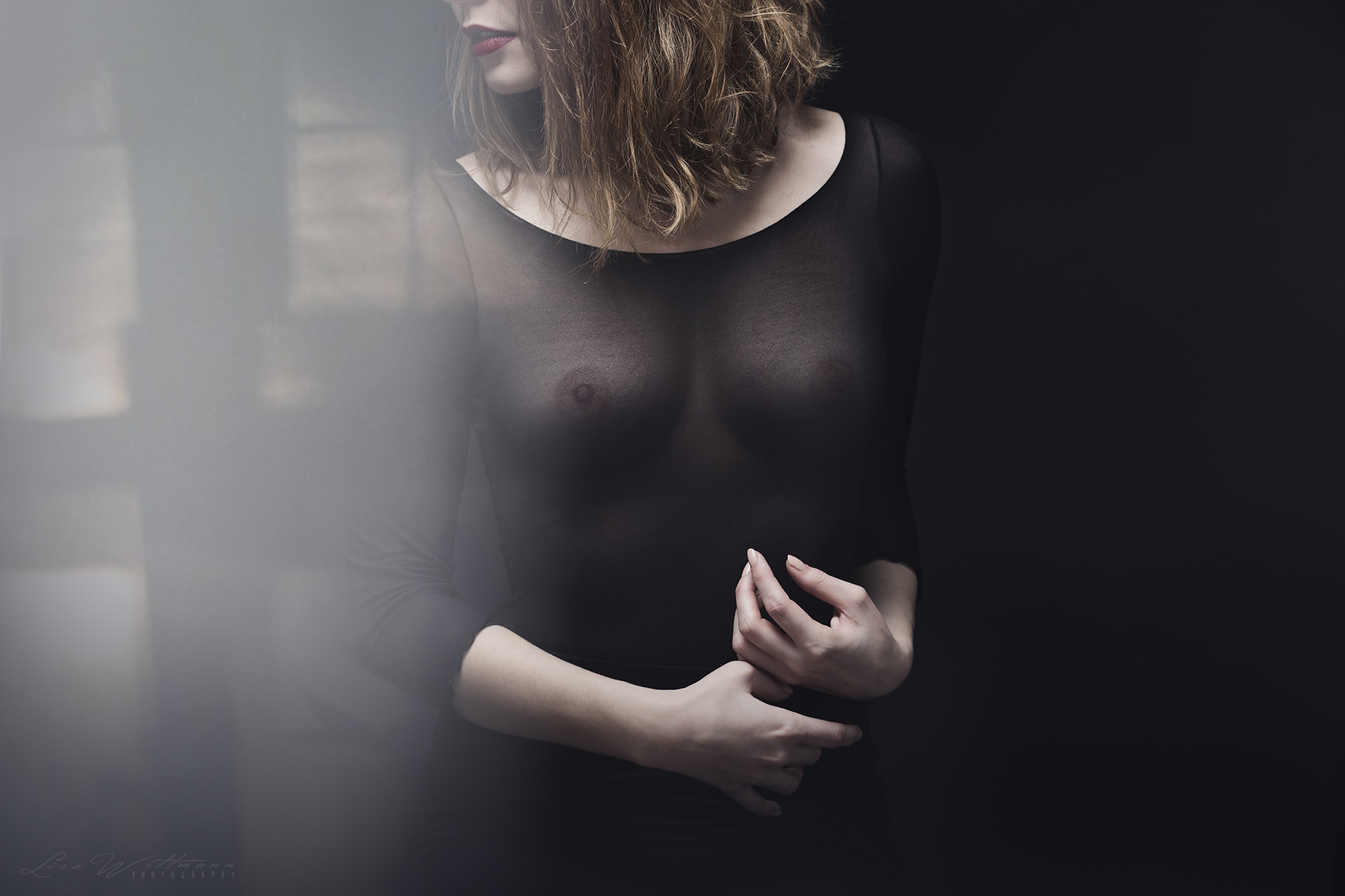 lisa_wittmann_photography_woman_nude_black (1)
